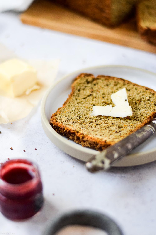 Dinkel Brot mit Hanf Samen