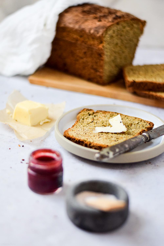 Brot mit Dinkel und Hanf