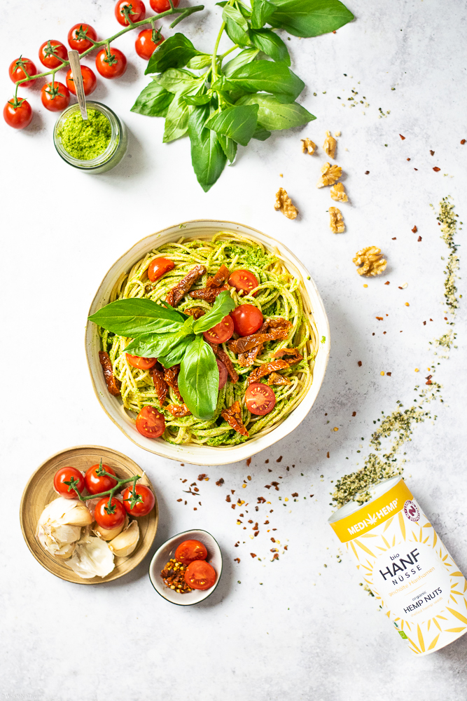 Pasta Pomodoro mit Hanf-Pesto